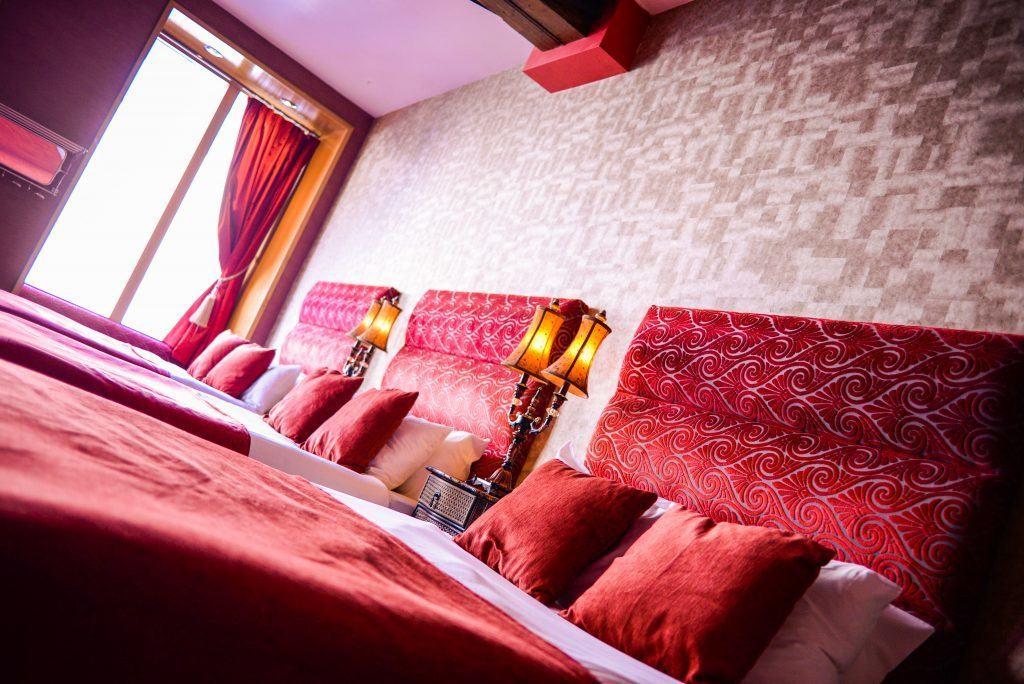 Burlesque floor - Signature Hotel