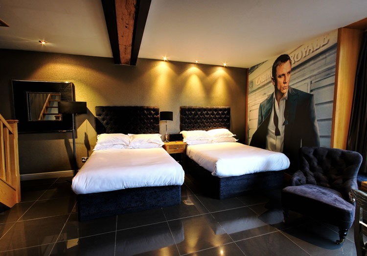 James-Bond-Lounge