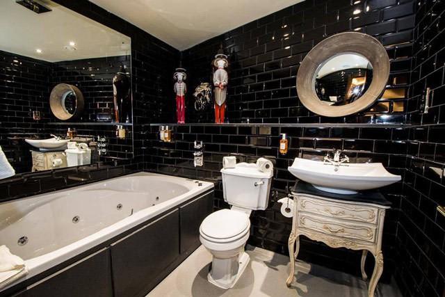 Wardrobe-bathroom