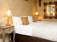 Signature Living hotel room