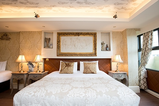 Luxurious group hotel rooms in Liverpool