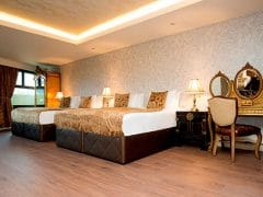 Group hotel rooms in Liverpool - party hotel room
