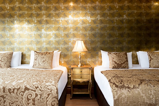 Wonderland hotel rooms in Liverpool for groups