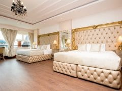places to stay in Liverpool for hen parties - LP Rose room
