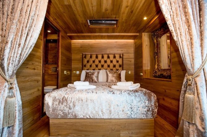 LP Pool Room cabin - Liverpool accommodation